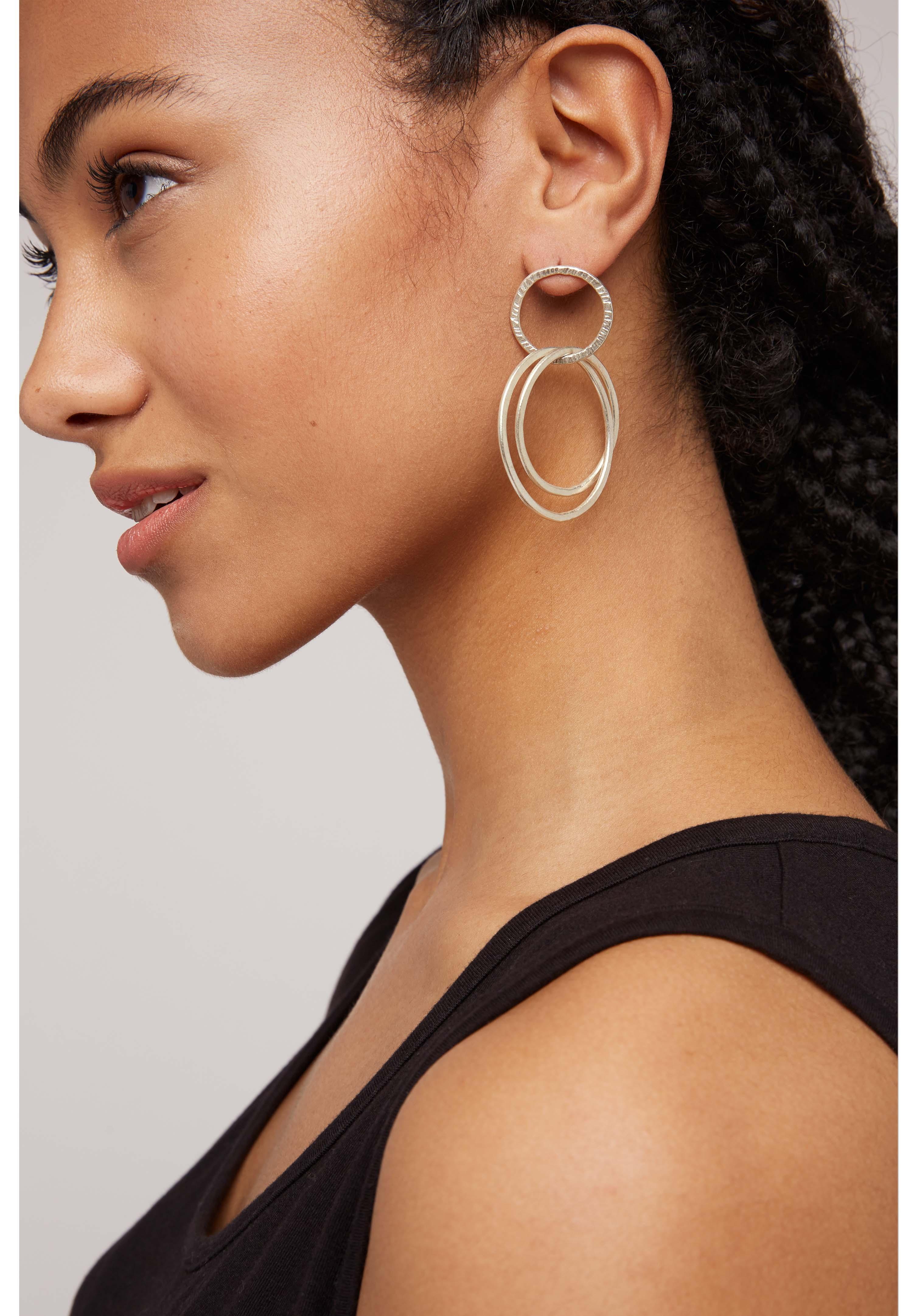 Linked Rings Earrings in Silver