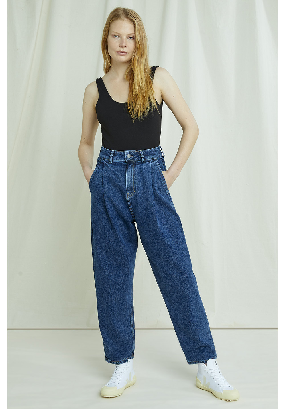 Alexis Tapered Jeans 14