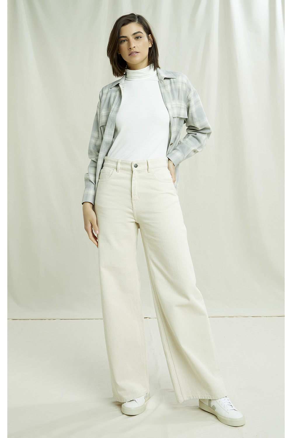 Flora Wide Leg Trousers in Natural