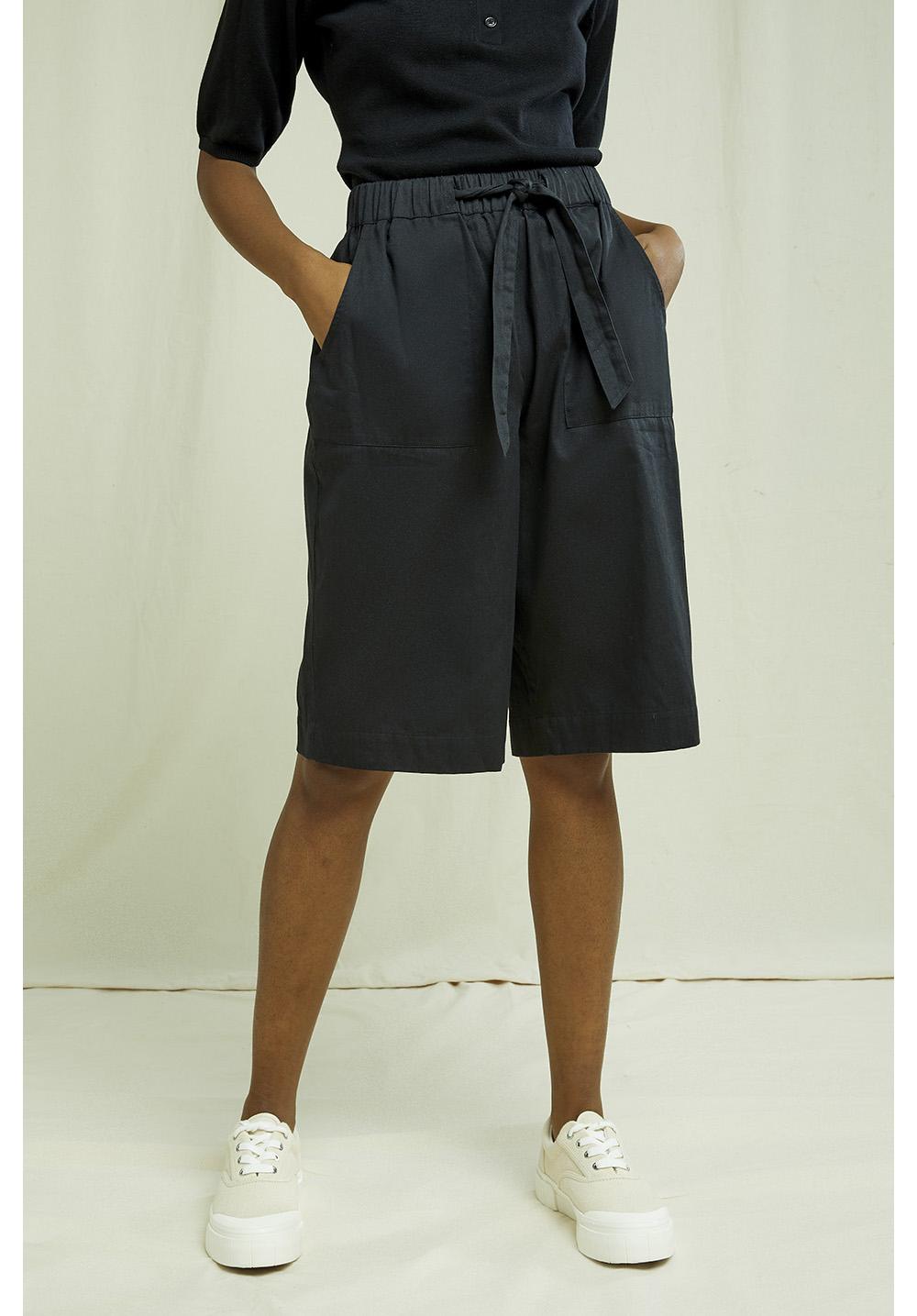 Samantha Shorts In Black