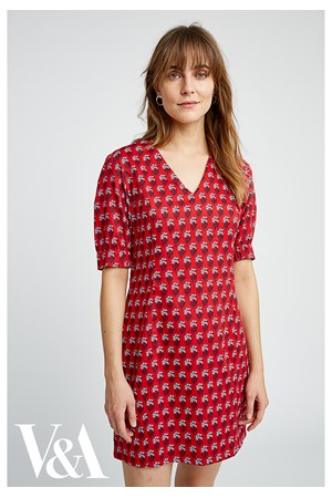 V&A Esther Print V-neck Dress