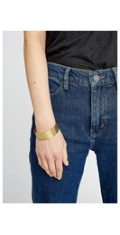 /women/textured-cuff-in-brass