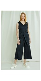 /women/vesta-jumpsuit-in-black