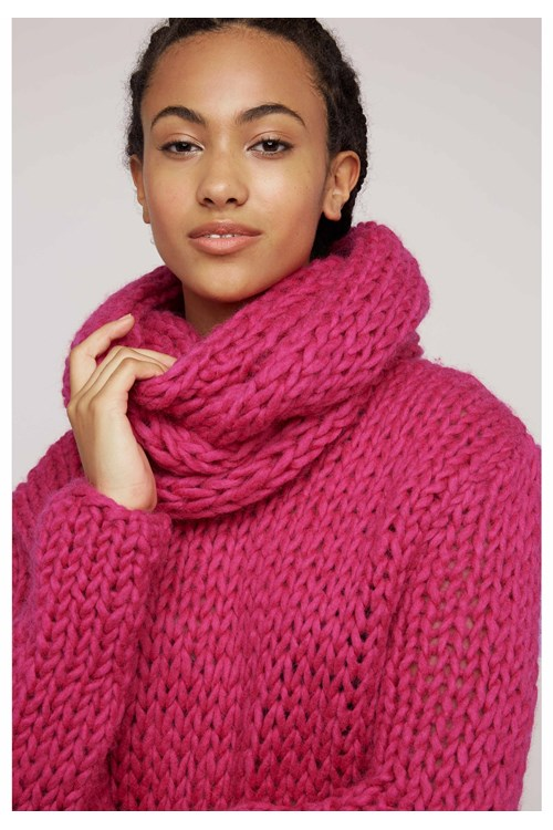 Chunky Knit Snood In Pink