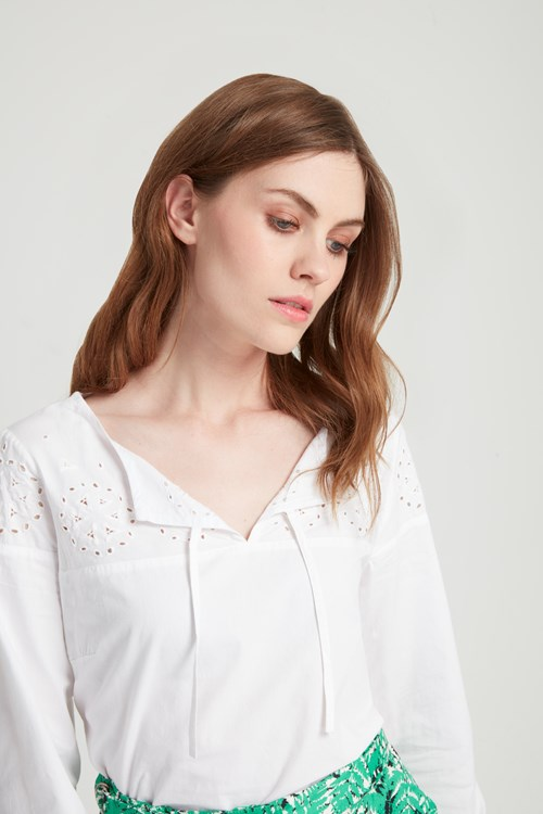 Calia Embroidered Blouse in Eco White