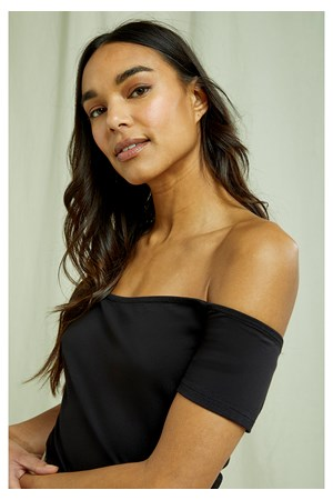 Uma Bardot Top In Black