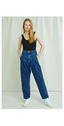 /women/alexis-tapered-jeans