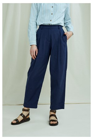 Helka Trousers In Navy