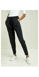 /women/sasha-trousers-in-black