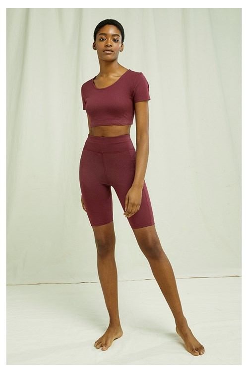 Yoga Scoop Crop Top In Burgundy